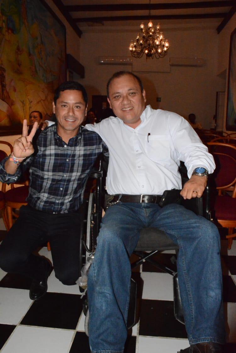 AARON PEREZ DURÁN RECIBE NOMBRAMIENTO DE CRONISTA DEL MUNICIPIO DE CAMPECHE